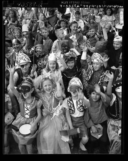 vintage-halloween-costumes-1948